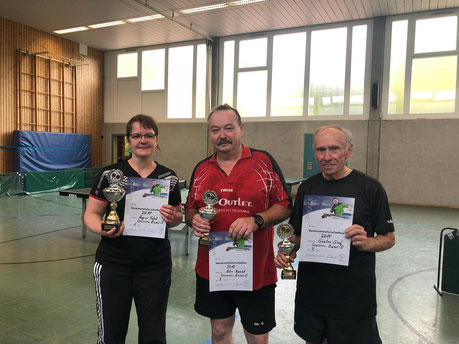 Die besten der B-Gruppe bei den Vereinsmeisterschaften 2018 der SG 03 Mitlechtern v.l.n.r.: Regina Tafat(Vereinsmeisterin), Horst-Peter Knecht(Zweiter) und Günter Gräf(Dritter).