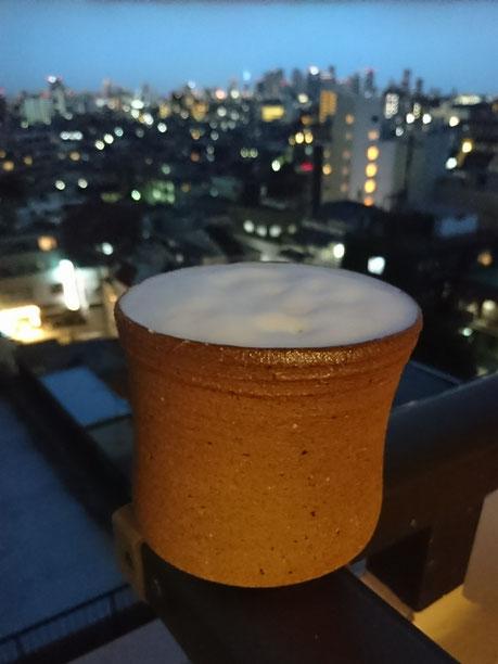 土から作り、焼き上げたビアカップで最高の一杯。川尻さん、一緒に過ごしたみなさん、ありがとうございました。