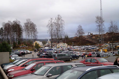 Masses of people and cars in Ullared, on the photo you see approximately 20 percent of the ground of the Shopping Center in Ullared, Photo: Ulf F. Baumann
