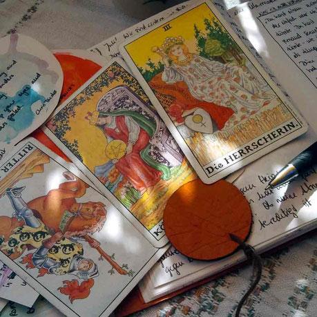 Selbst-Vergebung: Eine Tarot-Übung für Frieden.