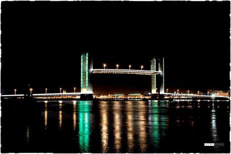 Bordeaux Pont chaban Delamas levé de nuit