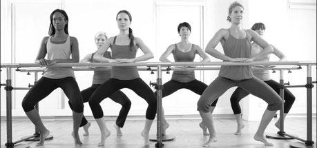 Myofasziales Training beinhaltet optimale Bewegungseffizienz und strukturelle Balance in MTT Physiotherapie Surental!