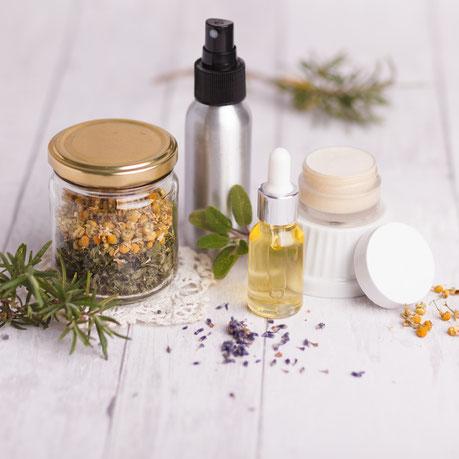 Selbstgemachte Haarpflege Produkte mit Kräutern