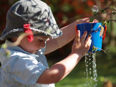Kinderbetreuung Glückspilz Bad Liebenzell Denkprozesse durch Eigenaktivität fördern