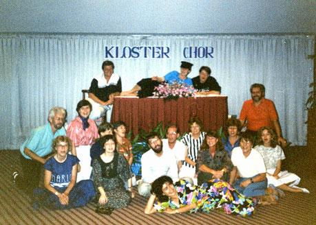 Gruppenbild von einer Chorfreizeit in Thailand aus dem Jahr 1989