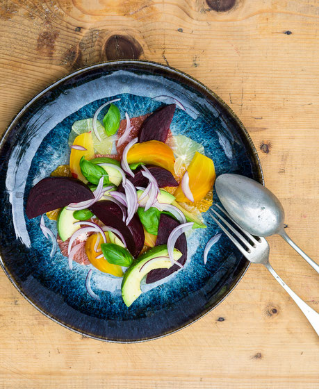 Kochstudio Bilou Baked Beetroot, Avocado & Citrus Salad