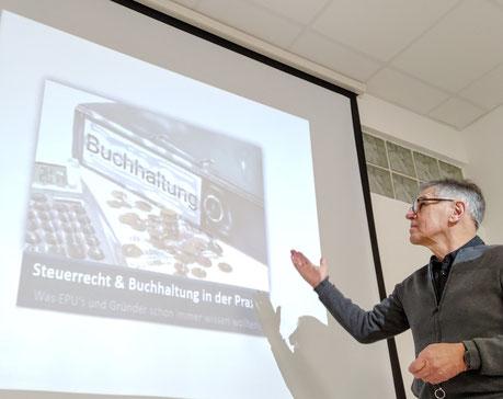 Reinhard Huber als Trainer für praxisbezogenes Steuerrecht