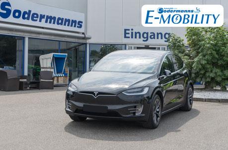 behindertengerechter Tesla Selbstfahrerumbau, MFD, Handgerät, Sodermanns