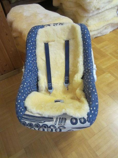 Lammfelleinlage für Kindersitze