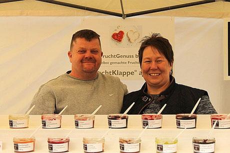 "- Katja & Marco Saltner mit der ""Probiertreppe"" -"