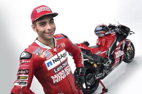 Danilo Petrucci 2019 ganz in Ducati rot.