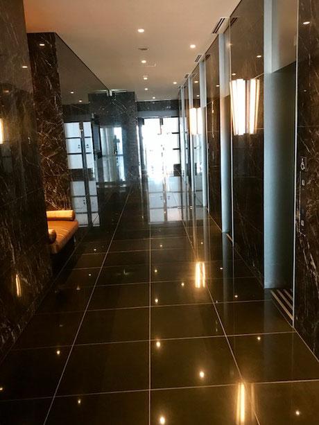 11階 エレベーターホール