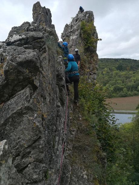 ecole d'escalade - activités pour jeunes en difficulté