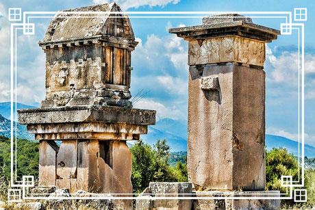 Xanthos (gr. Ξάνθος) und der zugehörige Tempelbezirk Letoon stehen als Hauptstadt und Bundesheiligtum des Lykischen Bundes  Weltkulturerbe (Welterbe der UNESCO