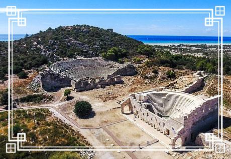 Patara liegt nahe der Mündung des antiken Flusses Xanthos, an der Mittelmeerküste Lykiens in der heutigen Türkei.