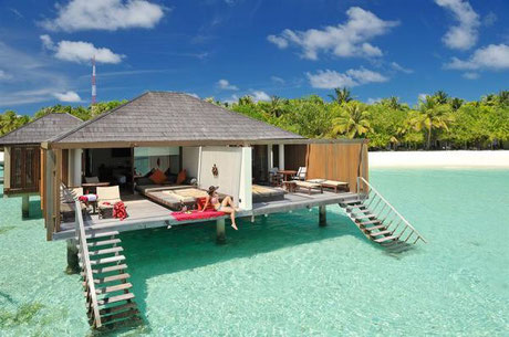 Maledivien zu Superpreisen im Baukastensystem bei Singer Reisen & Versicherungen buchen.