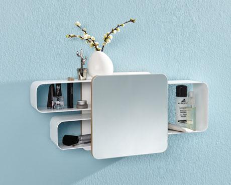 Wandregal mit Spiegel oder Magnetpinnwand als Front. An den Seiten können drei Ablagekisten individuell angeordnet werden. Hilft ein wenig mehr Ordnung in die Wohnung zu bringen