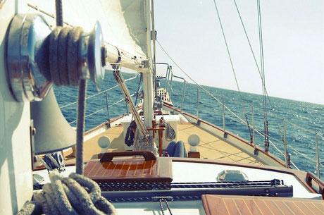 changer piece accastillage bateau, poulies bloqueurs manilles voiliers 83
