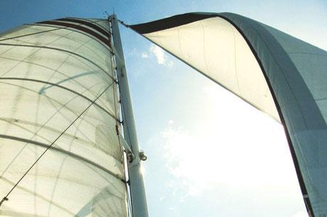 nettoyage voile bateau toulon, entretien voile voilier hyeres