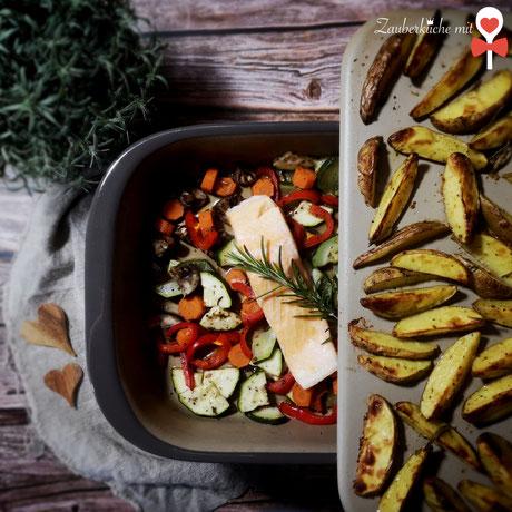 Stoneware® Grundset Pampered Chef® Rezept Lachs auf Gemüse