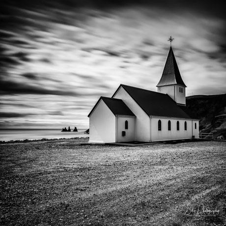 Island, Vik i Myrdal, Kirche, Langzeitbelichtung, 2015, © Silly Photography