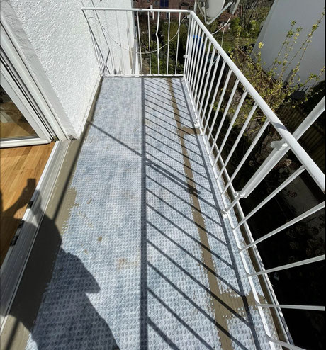 Abdichtung und Entkoppelungsbahn für die Balkonsanierung