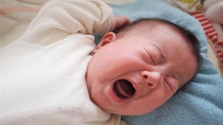赤ちゃんは泣くことでお腹を使っているのです