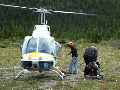 Helikopter landing at the Berg Lake