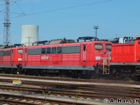 151 066-8 steht am 22. Juli 2014 z-gestellt in Rostock Seehafen