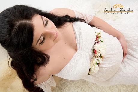 Schwangere Frau Babybauch