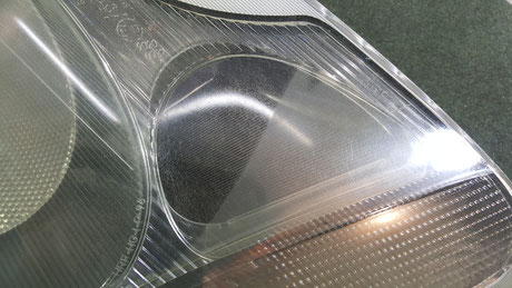 ポルシェ996のヘッドライトのひび