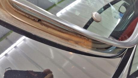 RX‐8のリアドアガラスの泥