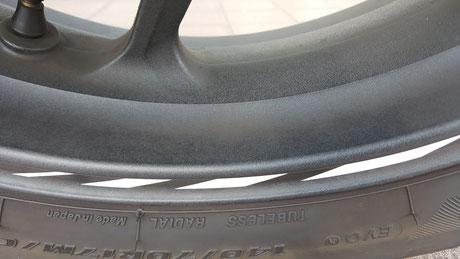 CBR250RRのリアホイールの汚れ