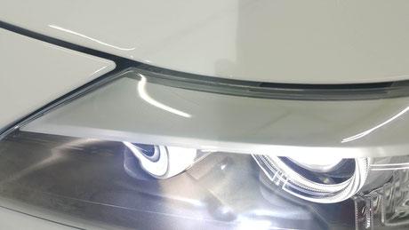 BMW・Z4のヘッドライトの黄ばみ・ひび除去 ドイツ車のヘッドライト研磨