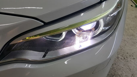 BMW2シリーズ ヘッドライトのクラック・劣化