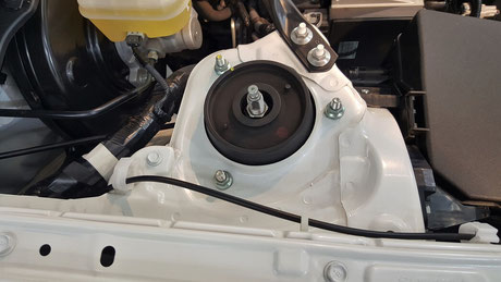 トヨタ86GRスポーツ 綺麗なエンジンルーム アッパーマウント