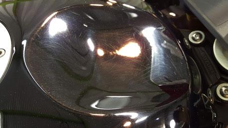 タンクの傷が目立つgsx-r750 バイクの傷