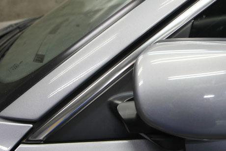 BMWモールのウロコ・白サビ・染み除去