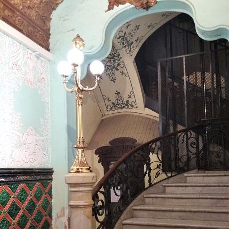 Pintors Barcelona. Restauración estuco y esgrafiado en finca catalogada modernista. Pintores en Ciutat Vella, Eixample, Gràcia, Sarria, Les Corts, la bonanova