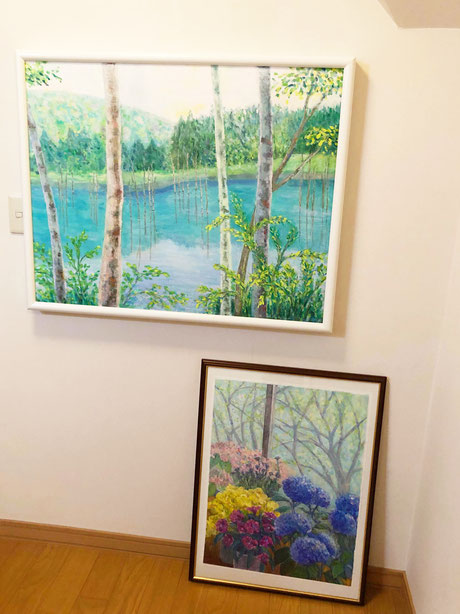 みつはし音楽教室の2階の踊り場には、母の油絵の作品が飾られております。