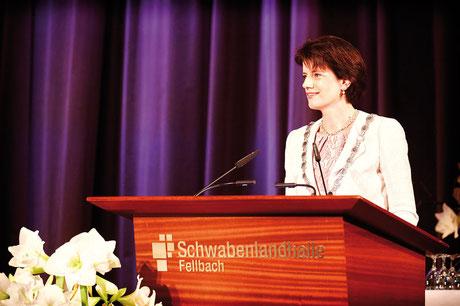 Identifiziert sich mit Stadt  und Amt: Fellbachs  Oberbürgermeisterin  Gabriele Zull.