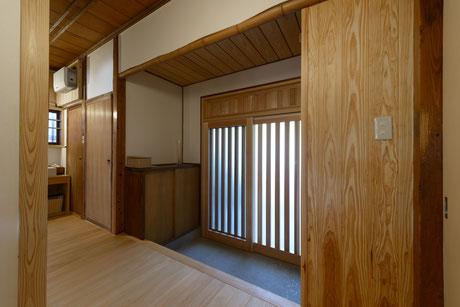 古い竹の落とし掛け 塗り直した漆喰
