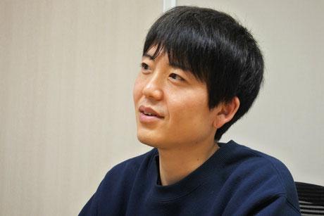インタビューに答える武田さん