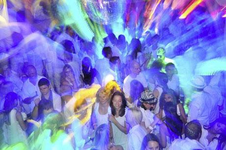 © Carmen Weder, Fotografie, Bern - Bernerbär - Party, Mykonos