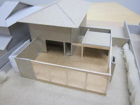 下屋をとると、こういう構成になっています。