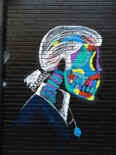 Graffiti von Karl Lagerfeld in East Village New York