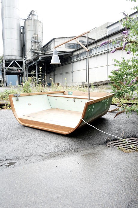 antonella garten lounge lunico zug online shop unikat einzellstück grün  fischerboot aus dem sarnersee see fischer fischen boot lounge draussen garten terrasse speziel aussergewöhnlich l'unico zug lunico schweiz