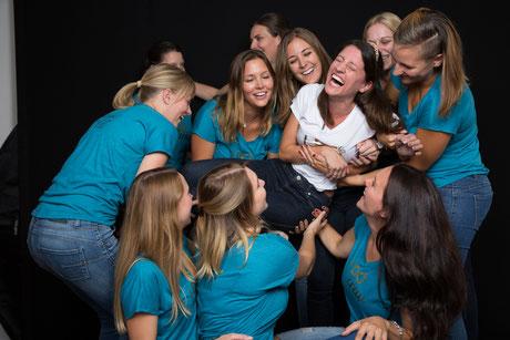 Gruppenshooting von Frauen Geburtstagsparty