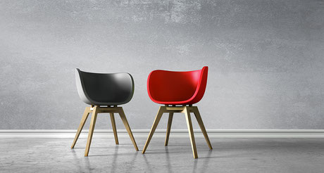 Auf zwei Stühlen bei Ingrid Senbert ist Platz für Beratung von Unternehmern