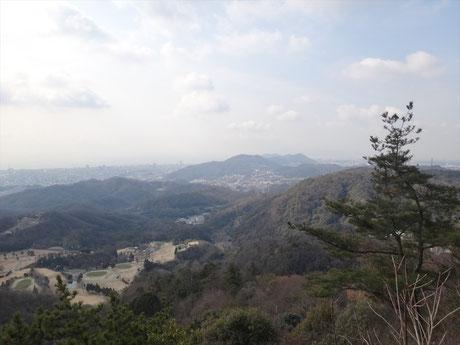 歩いてきた山々 約14km歩いた菊水山から